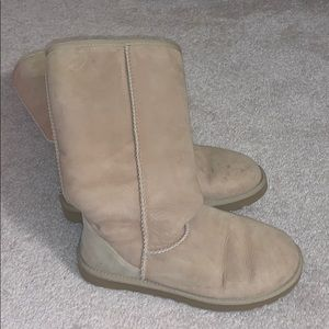 *GENTLY USED* Classic Tall Ugg Boots